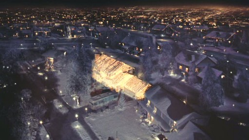 christmas-vacation-house-seen-from-sky-511x288